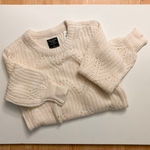 Abercrombie & Fitch Sweater NWT